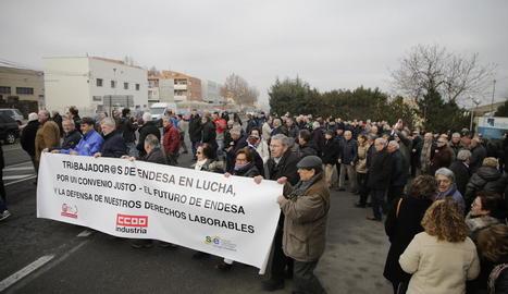 Imatge d'una de les manifestacions dels jubilats d'Endesa del mes de gener passat a Lleida.