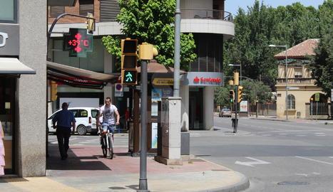 Un termòmetre a la ciutat de Lleida aquest dijous.