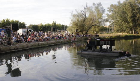 El piano flotant, el setembre passat al riu Segre a Lleida.