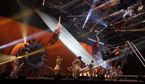 Un dels números acrobàtics de l'espectacle 'Rebel', que ofereix el Cirque du Soleil a Andorra.