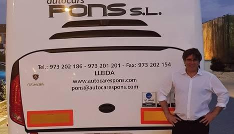 Puigdemont, amb un autocar de l'ANC Almacelles