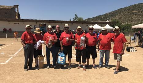 Els membres del Club de Bitlles Benavent