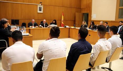Els acusats durant la sessió del judici d'ahir.