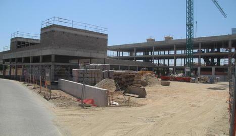L'institut de Torrefarrera ja s'està construint i substituirà els barracons el març que ve.