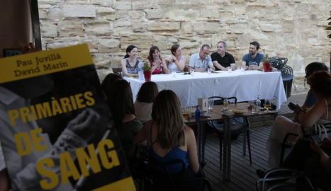 L'alcalde, Miquel Pueyo, va presidir la presentació de la novel·la.
