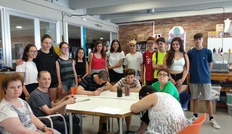 L'Associació Alba forma una cinquantena de joves en el món del voluntariat