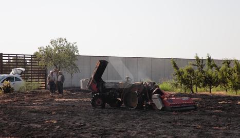 Un incendi crema un tractor a Alpicat