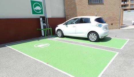 Almenar ja pot carregar vehicles elèctrics