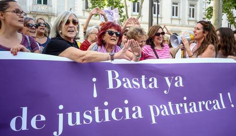 Imatge d'arxiu d'una manifestació feminista el dia que es va conèixer la sentència de La Manada.