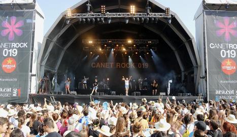 El grup Roba Estesa inaugurant ahir el festival.