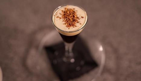 El cafè amb 'guirlache', unes postres especialment indicades per a les festes de Nadal.