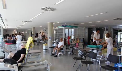 Al gimnàs del CAP Onze de Setembre es tracten les lesions més comunes en una superfície de 250 metres quadrats.