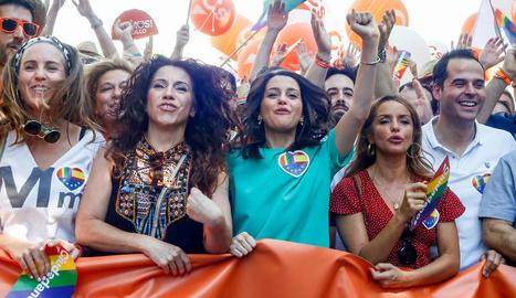 Arrimadas, rere la pancarta de Cs en la manifestació de Madrid.