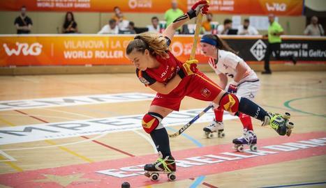 Una acció del partit de la selecció femenina.
