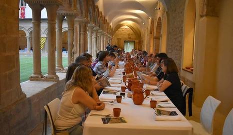 El sopar medieval dilluns a la nit al claustre de les Avellanes va reunir més de 160 persones.