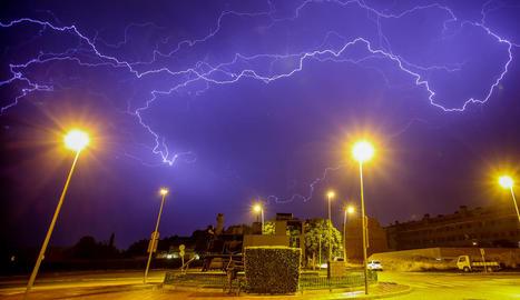 Les tempestes van estar acompanyades per un abundant aparat elèctric.