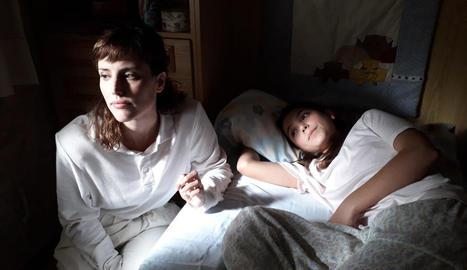 Una de les primeres escenes, amb Natalia de Molina i Andrea Fandos.