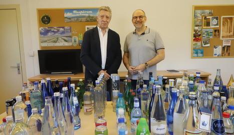 Oleguer Bernardí (esquerra) i el regidor de Cultura de la Paeria, Jaume Rutllant, ahir al Museu.