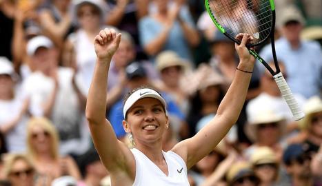 Simona Halep celebra la classificació per a la gran final del torneig.