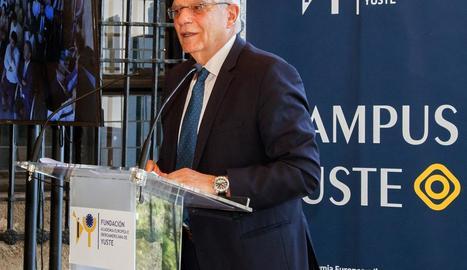 El ministre d'Afers Exteriors, Josep Borrell, durant la conferència ahir.