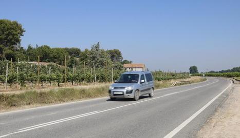 L'accident es va produir en aquest punt de la carretera entre Lleida i Artesa de Lleida.