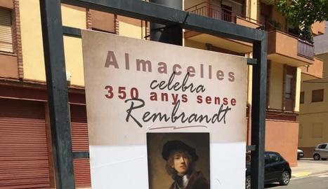 Un dels plafons urbans a Almacelles dedicats a l'artista.