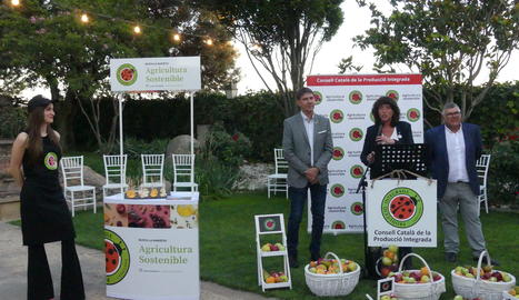 L'acte d'inauguració de la campanya de promoció de la fruita es va fer al Palau de Margalef