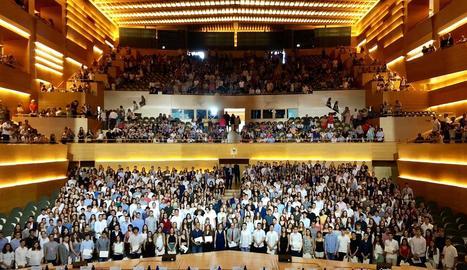 Els 698 millors alumnes de la selectivitat van ser reconeguts per Torra a Barcelona.