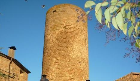 L'actual torre del castell de Vilamajor, a Cabanabona.