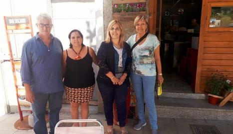 Els membres del jurat amb l'alcaldessa, Maria José Erta.