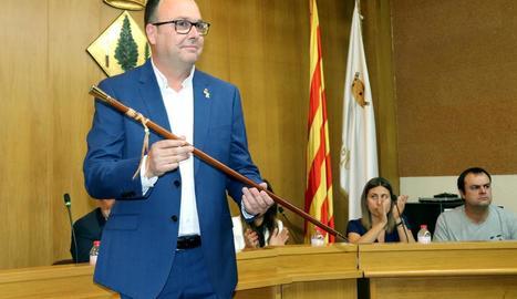 Joan Gilart, al ser reelegit alcalde en el ple d'investidura.