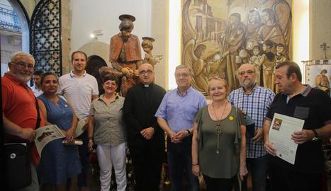Presenten la restauració del fanalet de l'àngel de Sant Jaume