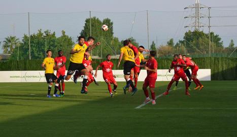 El Lleida Esportiu es va estrenar ahir davant del Badajoz a les instal·lacions del Marbella Football Center.