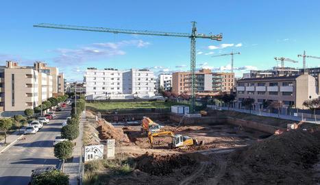Imatge d'arxiu d'una zona en construcció al barri de Pardinyes a Lleida.
