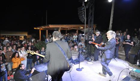 La banda d'indie de Barcelona Elefantes va ser el plat fort de la IV edició del festival.