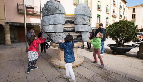 Cervera acomiada diumenge l'exposició 'Mènsula', amb més d'un miler de visitants
