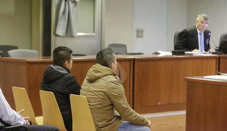 Els dos acusats, durant el judici a l'Audiència de Lleida