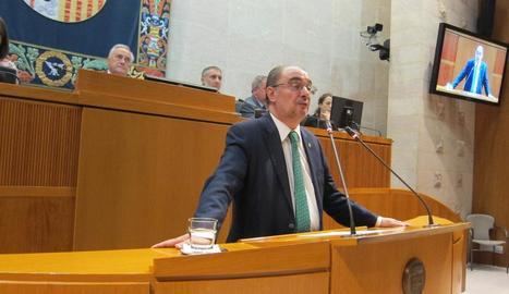El socialista Javier Lambán durant la investidura.
