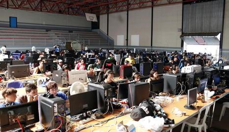 La Lan Party de Tàrrega reuneix 150 aficionats a la informàtica i els videojocs