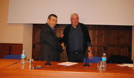 Carné (esq.) va felicitar Ros al desembre al guanyar les eleccions.