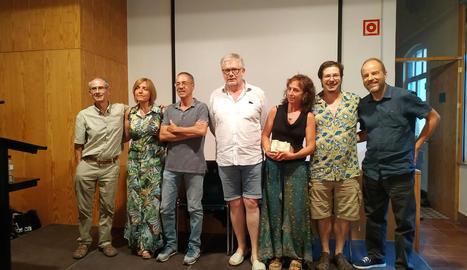 Fotos dels guanyadors amb els membres del jurat.