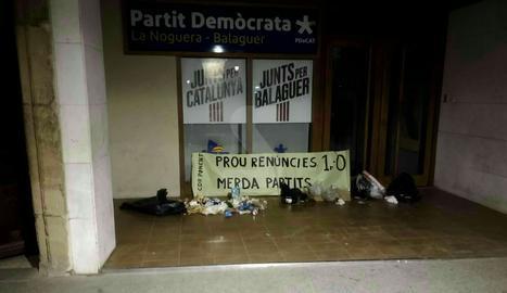 La seu del PDeCLa seu del PDeCAT a Balaguer aquest matí.AT a Balaguer aquest matí.