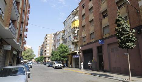 L'habitatge okupat es troba al carrer Mossèn Reig, al barri del Clot.