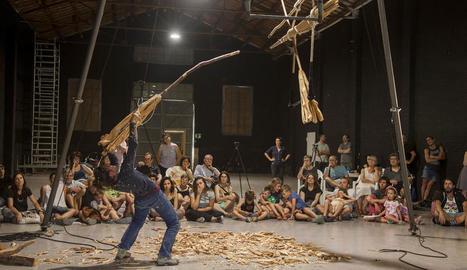 Júlia Farrero presentarà 'Teia', un espectacle inspirat en les falles del Pirineu.