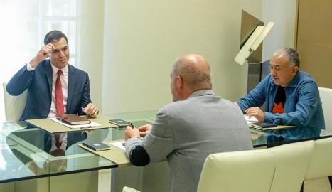 Pedro Sánchez, durant la reunió amb Sordo i Àlvarez.