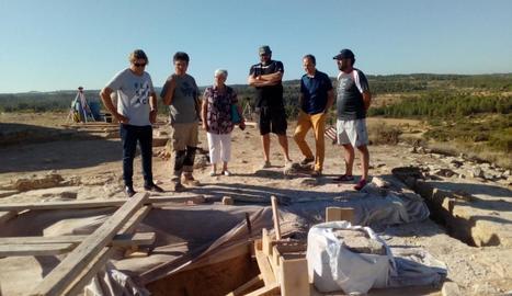 Les autoritats van visitar ahir les obres de l'Arc d'Adar.