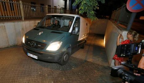 Cotxe amb els tres francesos a la presó per la violació de Benidorm.