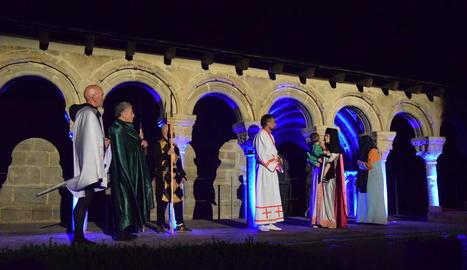Un moment de la representació d'un dels passatges de la vida de Sant Ermengol.