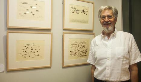 L'artista Domènec Corbella, professor emèrit de la Universitat de Barcelona, artífex de l'exposició.
