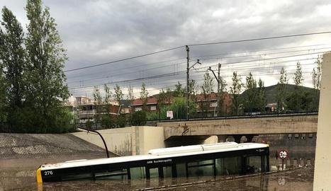 Vista de l'estat en el qual va quedar el passeig del Carme de Vilanova i la Geltrú després de la tempesta.